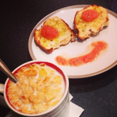 Good and healthy breakfast cereals, toast tomato olive oil